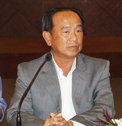 Wiwat Pattanasin, president of the Pattaya Business and Tourism Association, convenes his first PBTA meeting.