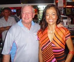 Ladies winner Rotjana Neal with the Golf Chairman.