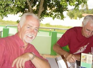 Dave & Ken have a drink at Mulligans Lakeside after Thursday's golf.