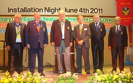 President Hubert Meier, (3rd left) Rotary Club Phoenix Pattaya with his board of directors. (l-r) IPP Peter Aisleitner, PP Trutz Fikkidow, Michael Wünsche, Otto Hönerbach and Johann Conzen.