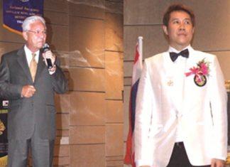 (Left) Kajit Habanananda, Lions Clubs International Past President, (Right) Banchong Bunthoonprayuk District Governor 310C (2011-12).