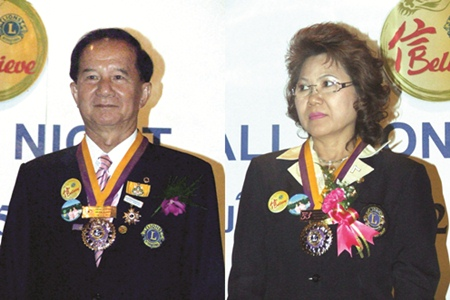 (Left) Somchai Janjaroen, President Lions Club of Pattaya-Banglamung , (Right) Apinada Saimai, President Lions Club of Sattahip-Chonburi.