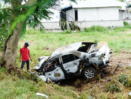 Paisan Fungfuang died when his car hit a tree, careened into a ditch and burst into flames.