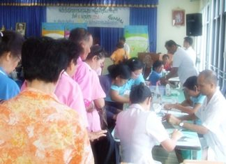 Up to 200 members of the Pattaya Elderly Club are given free health checkups.