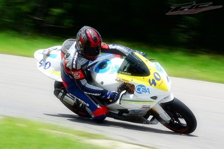 Fortt negotiates a bend at the Nakhon Chaise race track on his Suzuki GSXR 1000.