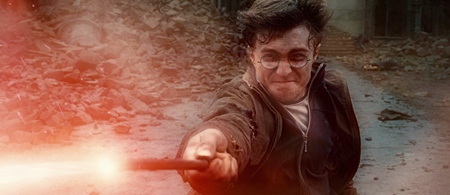 This screenshot shows Daniel Radcliffe in a scene from Harry Potter and the Deathly Hallows: Part 2. (Photo/Warner Bros.)