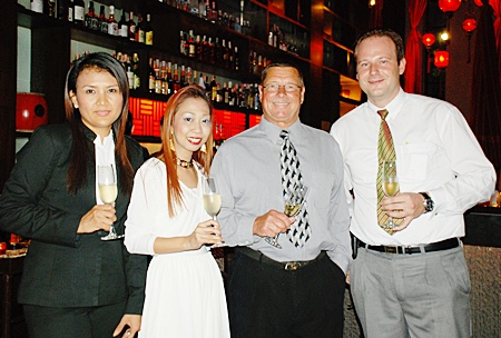 Robert Fredson, Winemaker & Viticulturist, Domain St. George (2nd right) is overwhelmed by the warm welcome from the Mantra team (from left), Yaowaluck Bumrungthum, restaurant manager; Supparatch Piyawatcharapun, social director; and Max Sieracki, resident manager of the Amari Orchid Pattaya.