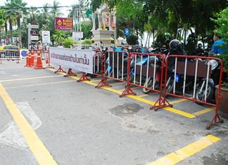 There are now spaces for 20 cars and 120 motorbikes in front of and behind the Pattaya Police Beach Road station.