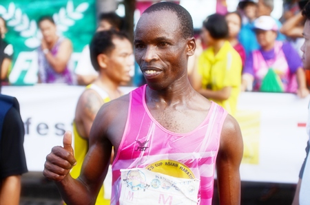 Lawrence Kiptoo Saina from Kenya was the winner of the men's marathon in a time of 2:21:03.