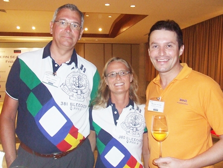 Dieter & Doniela Gamper from the Metropolitan Golden Hotel talks to friend Michael Ganster from the dusit d2.