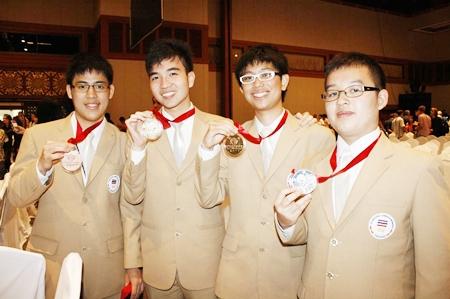 The triumphant Thai team.