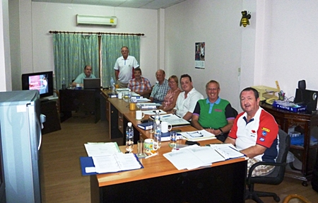(L to R) Trainer Bert Elson, Derek Brook, Bob Machin, Fred Beavis, Dorothy Knowles, Andy Kay, John Hocking, and Reg Knowles; missing with camera Trevor Dobson.