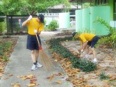 Sailors from the USS John McCain joined the cleaning activity at the Banglamung Home for the Elderly.