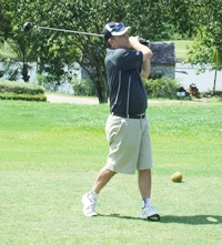 """Mike """"Dabber"""" Dabonovich crushes a drive straight down the middle."""