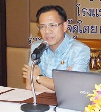Deputy Governor Pongsak Preechawith addresses a tourism and business representatives meeting in Pattaya.