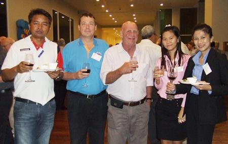 A toast to success: (l-r) Peera Thaweechart (MD Thaitan Logistics Co., Ltd.), Randy Simmons (Director CHS-Asia Co., Ltd.), Ken Hinckley (Consultant CHS-Asia Co., Ltd.), Supansa Supannawong (Executive Assistant Dana Spicer (Thailand) Ltd.) and Thananat Chanbunditnant (Senior Program Manager Dana Spicer (Thailand) Ltd.).