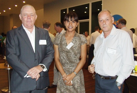 Networking evenings are all about business relations. (l-r) Ian Claffey (Oxondon Consulting), Araya Somjit and Fred de Brouwer (Triskelion Trading Co.).