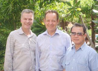 (L to R) Ingo G. Raeuber (Group General Manager, Pinnacle Hotels, Resorts & Spas), Hans Doelderer (Resort Manager, Pinnacle Resort Koh Tao), and Dr. Vongbhum Vanasin (Chairman of Pinnacle Hotels, Resorts & Spas).
