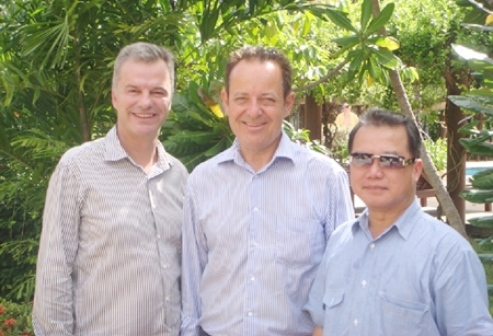 (L to R) Ingo G. Raeuber (Group General Manager, Pinnacle Hotels, Resorts & Spas), Hans Doelderer (Resort Manager, Pinnacle Resort Koh Tao), and Dr. Vongbhum Vanasin (Chairman of Pinnacle Hotels, Resorts & Spas).