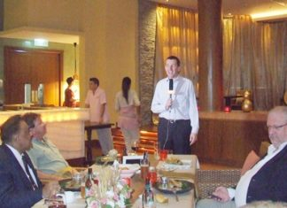 Michael Delargy, General Manager of the Sheraton Pattaya welcomes his guests and promises them an extraordinary evening of culinary pleasure.