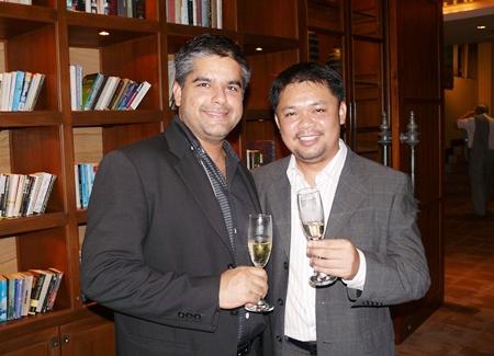 Tony Malhotra toasts with Anuchit Saeng-on