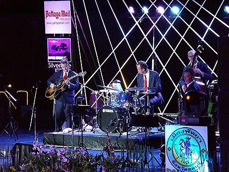 The Dutch Swing College Band perform at Silver Lake vineyard, Saturday, Nov. 5.