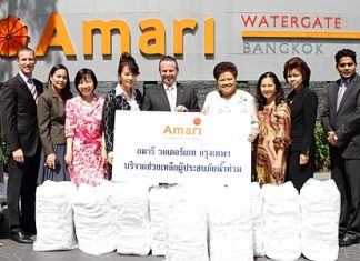 To help alleviate some of the suffering of the people affected by the horrendous floods ravaging the central plains and Bangkok, Pierre Andre Pelletier, GM of the Amari Watergate Bangkok, together with his management team made a generous donation of essential items including clothing, pillows, blankets and towels for the flood victims to Saisom Wongsasuluck, committee member of the Friends In Need of 'PA' Volunteers Foundation of the Thai Red Cross Society.