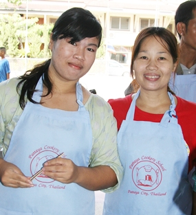 The lovely ladies from the Pattaya Cookery School make sure no one goes hungry.