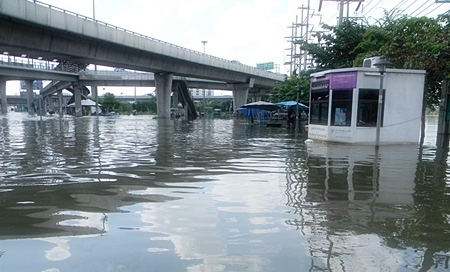 It's no wonder people are parking their cars up on bridges in Bangkok.