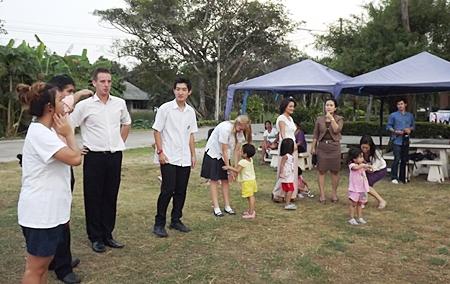 Sangjin and Jasmine make new friends at the HRH Princess Maha Chakri Sirindhorn Vocational School in Banglamung.
