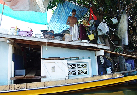 Some of the folks in Ayuthaya who were unable, or perhaps declined to evacuate, are now living on their roofs to escape the flood waters.