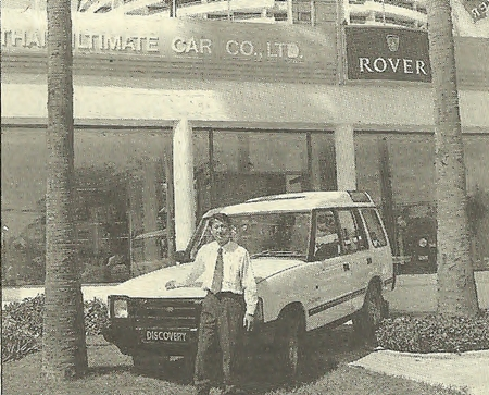 Sales Manager Leardsak with the Landrover Discovery