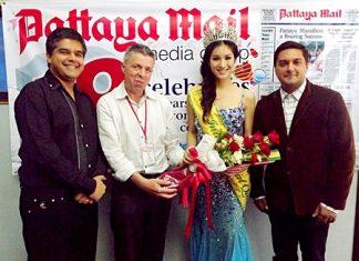 (L to R) Suwanthep Malhotra, Paul Strachan, Sripassorn Athayakorn, and Kamolthep Malhotra exchange pleasantries at the Pattaya Mail offices.