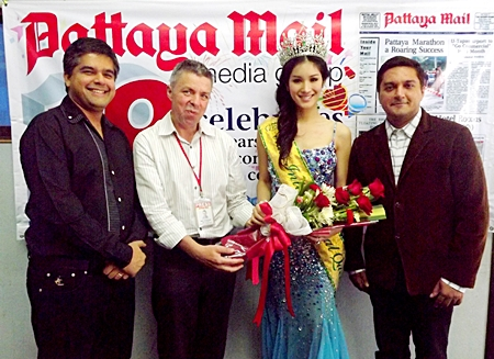 (L to R) Suwanthep Malhotra, Paul Strachan, Sripassorn Athayakorn, and Kamolthep Malhotra exchange pleasantries at the Pattaya Mail offices.