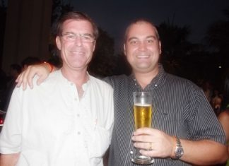 Bill Gray, sales consultant for Big Mango and Craig Turner from Rightmove Pattaya ham it up for the camera.