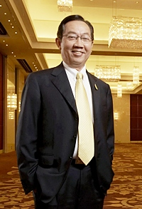 Suthikiat Chirathivat, Chairman of the Executive Board of Central Plaza Hotel Public Co. Ltd.