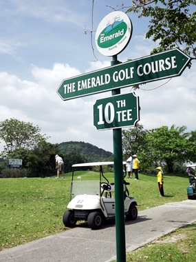 Which way to the next hole?