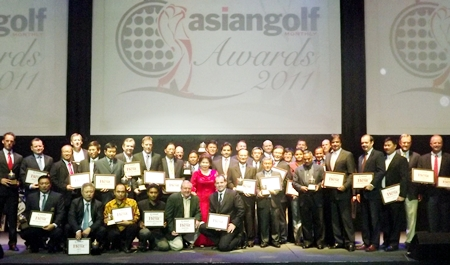 Award winners pose for a group photo at the Pattaya Exhibition and Convention Hall, Wednesday, November 2.