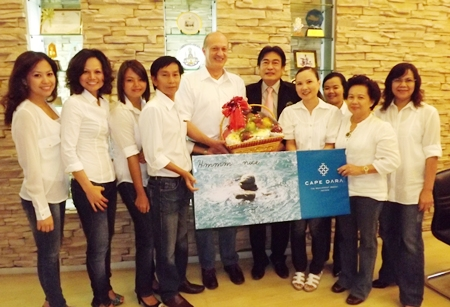 Philippe Delaloye, GM of the soon to be opened 5 star Cape Dara Pattaya Resort together with his team paid a courtesy call on Deputy Mayor Ronakit Ekasingh to inform him of the new project and to bring him good wishes for the New Year. The top class hotel located on Cherngpha Beach, a.k.a. Dara Beach, off Soi 20 on the Pattaya-Naklua Road is scheduled to have a slingshot opening in June 2012. Curious? Visit www.capedarapattaya.com.