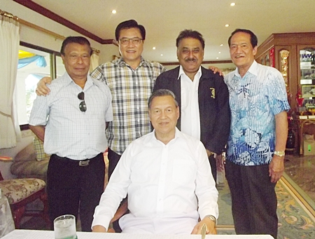 Andrew Khoo, former GM of Hard Rock Pattaya and presently in charge of the Bali property flew in to pay his respects to general Kanit. He is flanked by Damrong Taweema (left), Hard Rock Hotel director of security, Pratheep Malhotra, MD of Pattaya Mail and Jiraphong Roeksasut, CEO of Royal Furnishings.