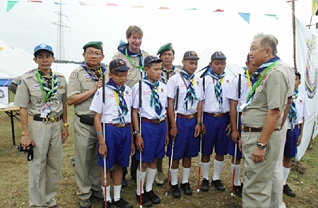 Senator Sutham Phanthusak, International Commissioner of Thai Scouting, with the blind scouts.