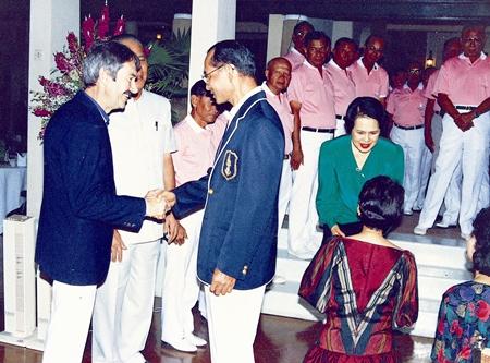Peter Cummins meets Their Majesties at Klai Kangwol Palace, June 1985