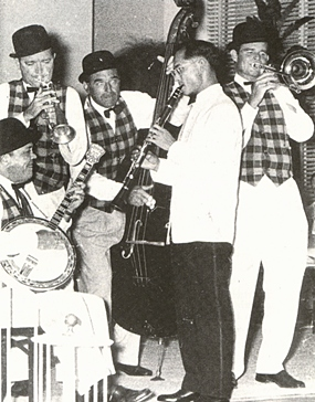 His Majesty the King goes Dixie at the Hawaiian governor's reception, Honolulu 1960.