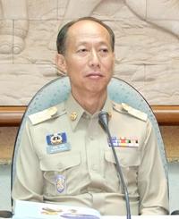 Chonburi's new governor, Khomsan Ekachai begins work in his new position.
