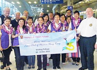 Hong Kong Lions arrive at Suvarnabhumi airport.