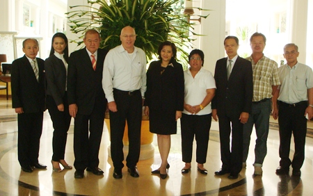 The working group poses for a photo at the Dusit Thani Pattaya following their meeting to discuss preparations for the 2012 PTT Pattaya Open tennis tournament.