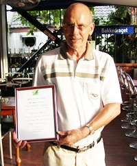 Svend Gaarde with his Hole in One certificate.