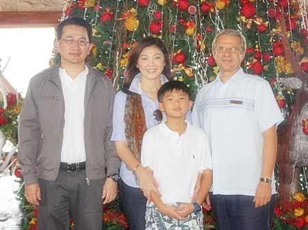 Prime Minister Yingluck Shinawatra, together with her husband Anusorn Amornchat and their son Supasek, escaped the hustle and bustle of the big city and spent a quiet new year weekend at the Centara Grand Mirage Beach Resort Pattaya where they were given VIP treatment by GM Andre Brulhart.