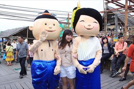 The Pattaya Floating Market's mascots are big hits with the kids.