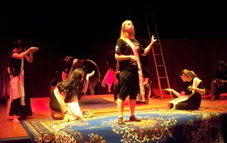 Shaharazad casts her spell.